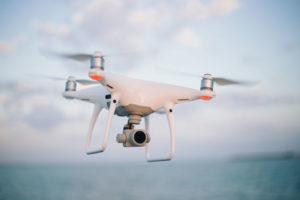 Fotograf Drohne im Wind